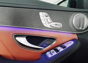 đèn viền xe mercedes C300 AMG