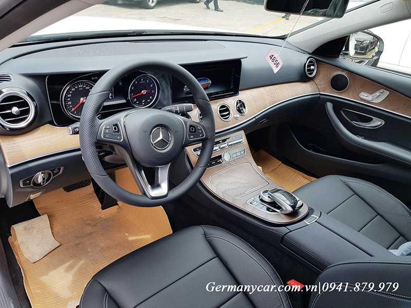 Tiện nghi công nghệ ngập tràn trên Mercedes E200