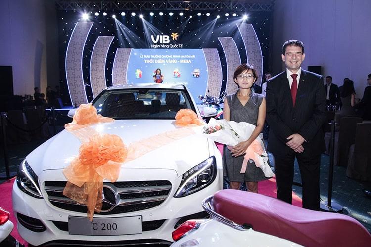 Mua-xe-Mercedes-Benz-trả-góp-ngân-hàng-VIB