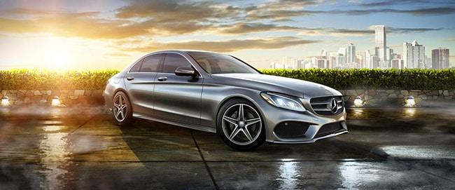Thu hút khách hàng bởi thiết kế bên ngoài của Mercedes C300 AMG