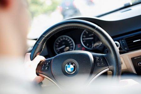 Người lái BMW, Audi, Mercedes-Benz phạm luật nhiều nhất?