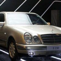 Xe lắp ráp của BMW và Mercedes-Benz hai số phận khác biệt