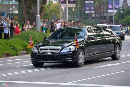 Kim Jong Un được hộ tống trên chiếc Mercedes-Benz S600 Pullman Guard