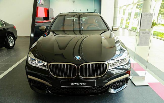 Giá xe BMW M760li bao nhiêu?