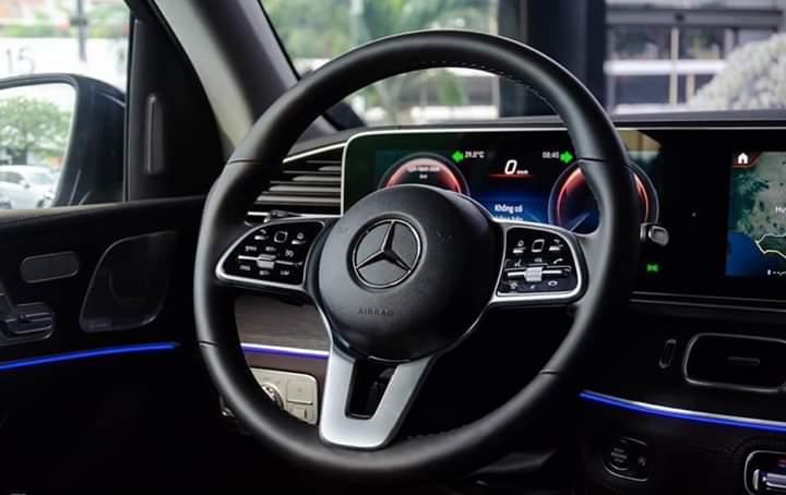 tiện nghi trê xe mercedes gle 450