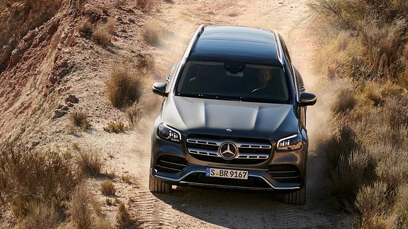 Mercedes GLS 2020 sở hữu động cơ mạnh mẽ